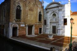 Venetian campi running tour